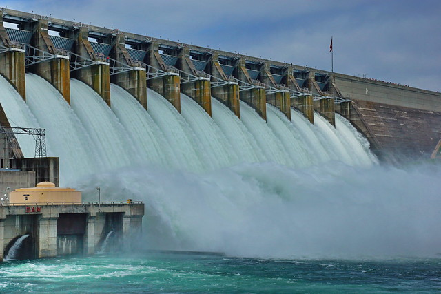 Corps tests Hartwell Dam spillway gates