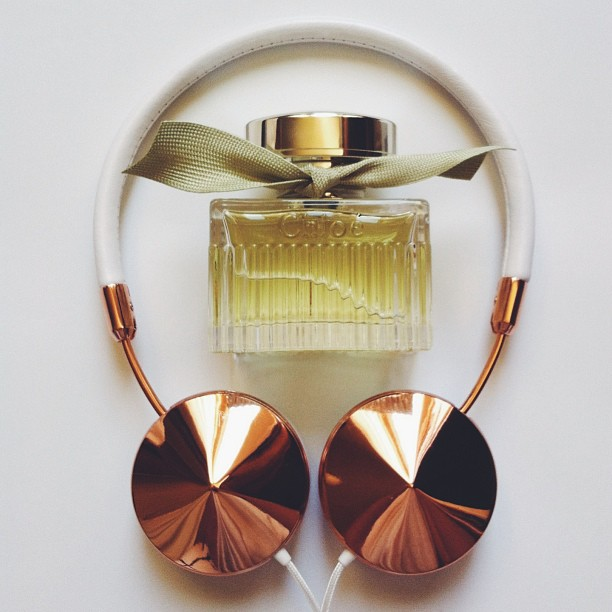 wearefrends headphones, layla rose gold, l'eau de chloe