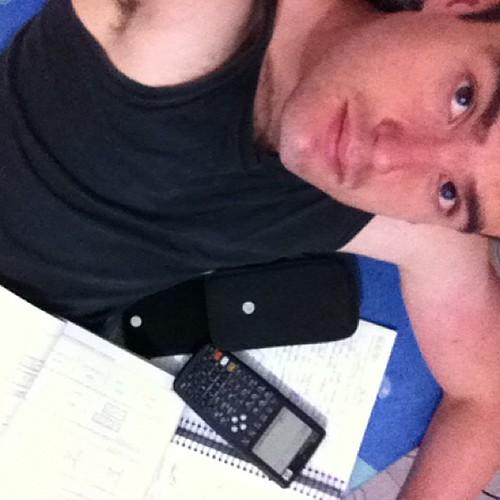 #goodmorning #happy #saturday #calc #study #engenieer #integral #go #go #trainthrbrains #senaosabeoqfazerderiva #ohvidadeestudantedeengenharia #nobrainnogain #geek #nerd #partiu #listadeexercicios