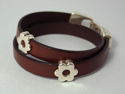 Double wrap leather bracelet (flower)