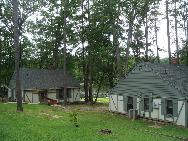 Cabins at TwinLlakes State Park