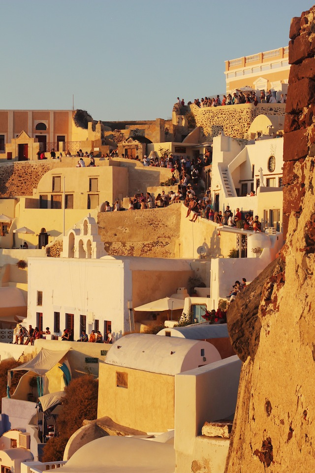 Santorini sunset-Oia crowds