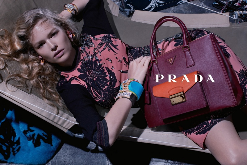 800x533xprada-resort-2014-campaign3.jpg.pagespeed.ic.BHWmvjEso1