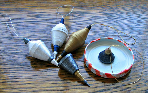 Quilled-Ornament-Gluing