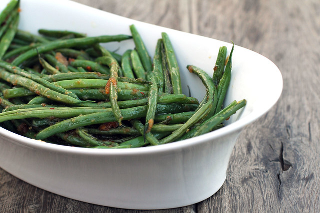 Easy Garlic Ginger Haricot Vert (French Green Beans) by My Life as a Mrs