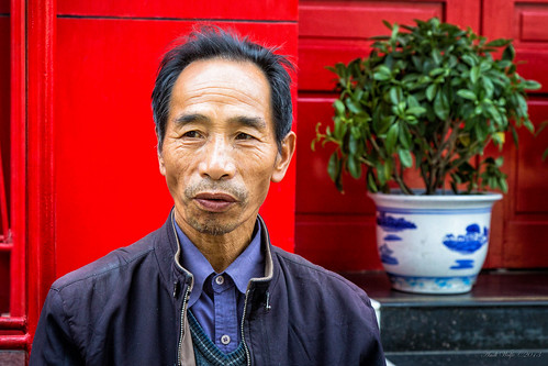 Facies of China: Street vendor by andiwolfe