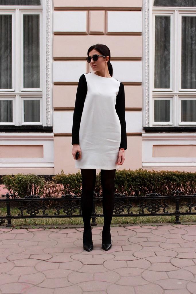 black or white2