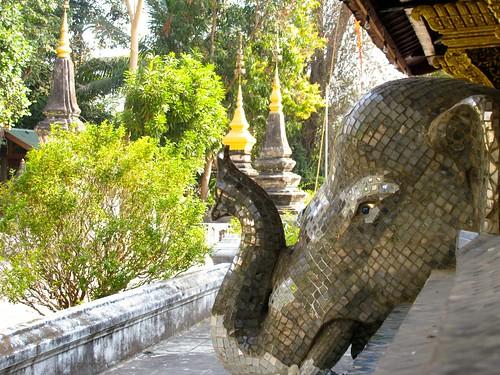 Rostro de elefante con mosaico