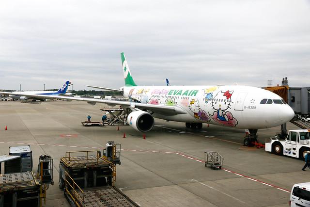 長榮航空 Hello Kitty 登機門 東京成田
