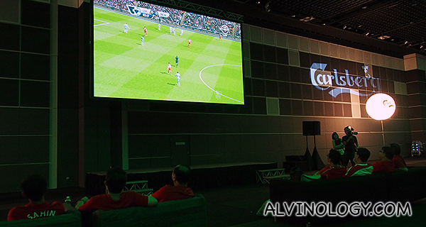 Big screens to enjoy the matches
