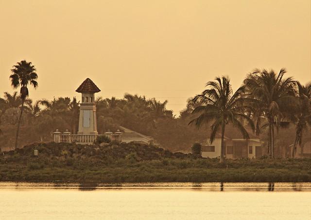 Lighthouse Island at dawn 20150202