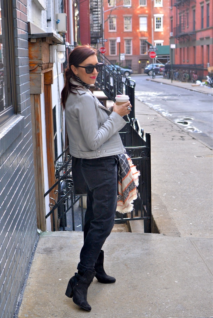 Christine-Cameron-My-Style-Pill-Black-Overalls-rag-and-bone-boots-madewell-bag-new-york-city-west-village7