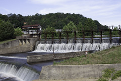 transport(0.0), river(0.0), arch bridge(0.0), canal(0.0), viaduct(0.0), waterway(0.0), bridge(0.0), dam(1.0), reservoir(1.0), infrastructure(1.0),