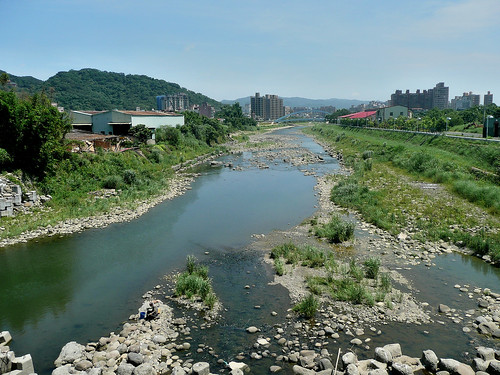 The Sanxia (三峽) River