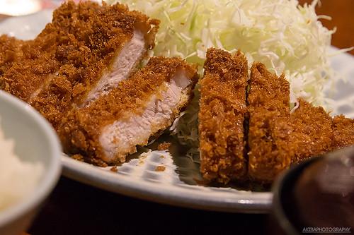 秋葉原 肉の万世のランチのとんかつを食べてみた