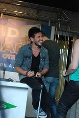 David de María recibió a sus fans y presentó su disco 'Otras vidas' ayer en Nervión