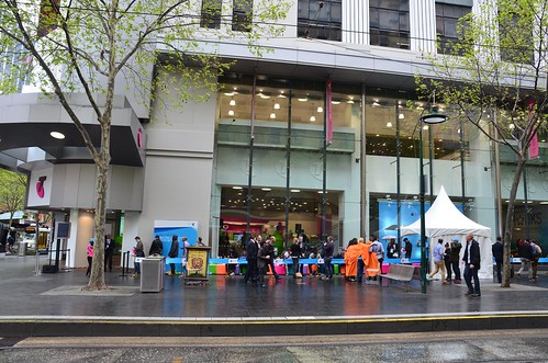 Apple iPhone 5s queue at Telstra Bourke Street Mall, Melbourne