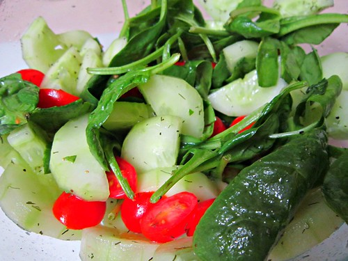 Cucumber Tomato Spinach Dill Salad