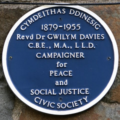 Photo of Gwilym Davies blue plaque