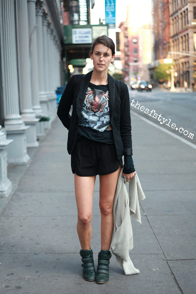 tiger shirt, wedge hightops, new york streetstyle fashion blog, STREETFASHIONSTYLE,