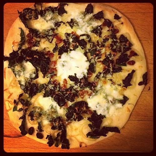 ...and kale pizza number 2, ready to slice and eat  #pizza #supper #genius
