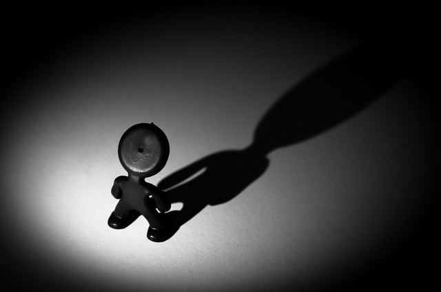 孤独は深層心理のの防衛反応?