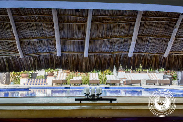 Casa de Mita Swim Up Bar
