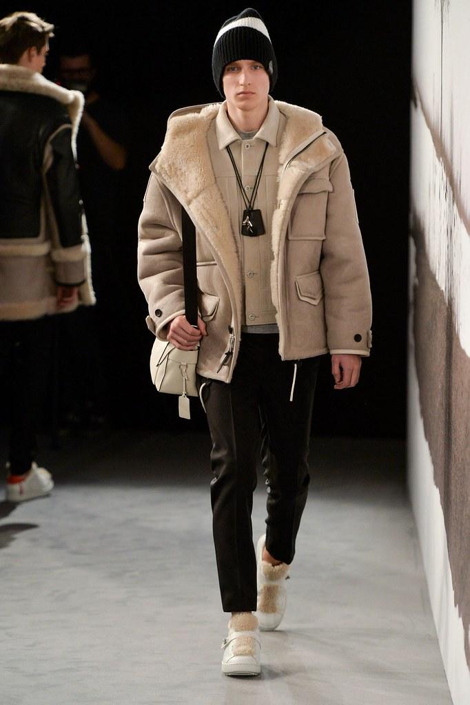 Jeroen Smits3152_FW15 London Coach(fashionising.com)