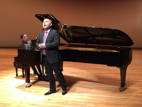 Javier Camarena y el pianista Ángel Rodríguez, ayer, en el auditorio Blas Galindo Foto Ángel Vargas