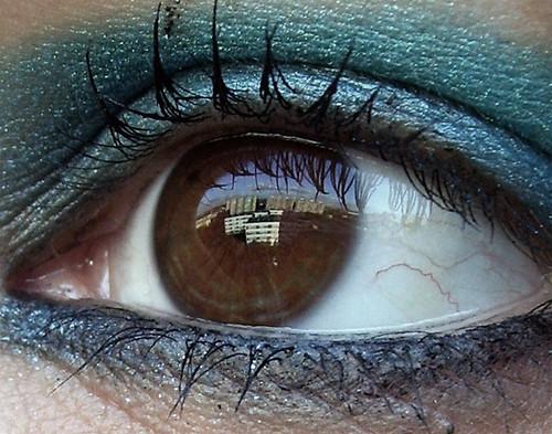 iris macro reflection eye closeup view makeup flats block pupil