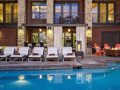 Hotel Terra rooftop pool (hotelterrajacksonhole.com)