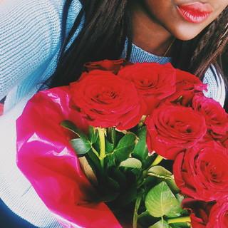 valentines day selfie lois opoku lisforlois