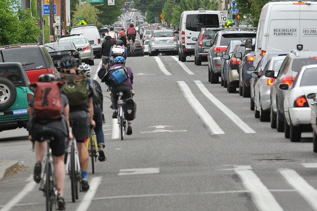 Bike traffic on N Williams Ave-14.jpg
