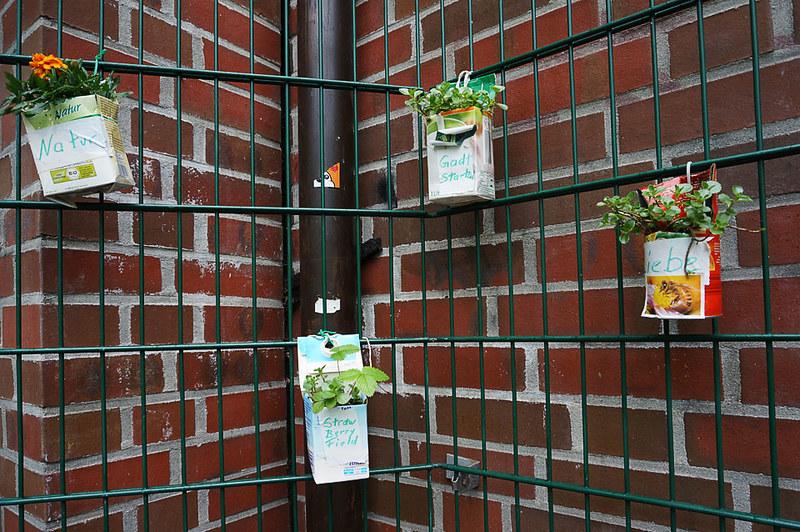 urban gardening in hamburg fotokiosk hamburg. Black Bedroom Furniture Sets. Home Design Ideas