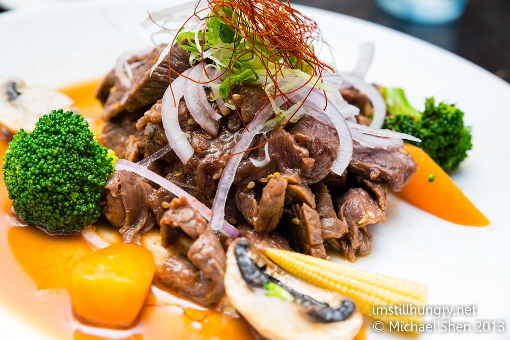 Wagyu sirloin steak Jazushi