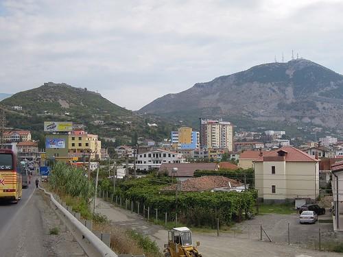 Lezheの街
