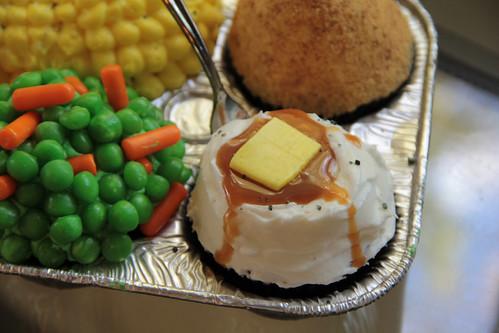 tv dinner cupcakes