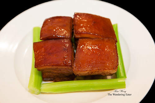 Braised pork belly (东坡肉)