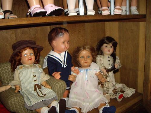 Les poupées de ma maison  11368078016_1821694646