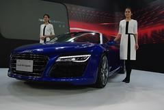 city car(0.0), audi rsq(0.0), automobile(1.0), automotive exterior(1.0), executive car(1.0), wheel(1.0), vehicle(1.0), performance car(1.0), automotive design(1.0), auto show(1.0), audi r8(1.0), audi e-tron(1.0), concept car(1.0), land vehicle(1.0), supercar(1.0), sports car(1.0),