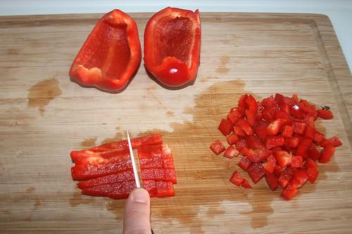 20 - Paprika würfeln / Dice bell pepper