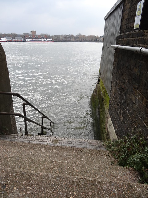 Hidden steps to the Thames