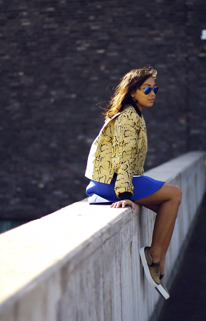 STELLA MCCARTNEY SNAKESKIN JACKET UNGERFASHION, CELINE SLIPONS SIGRUN_WOEHR, MODEJUNKIE, MODE JUNKIE