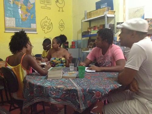 Curso de Língua e Cultura Yorùbá by Biblioteca Abdias Nascimento