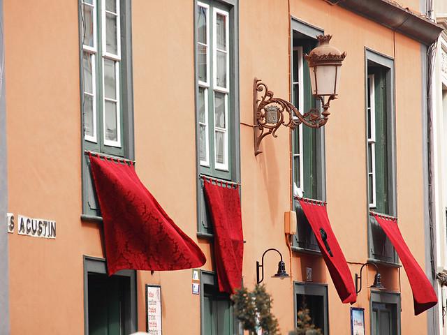 Scarlet drapes, Magna Procession, Semana Santa, La Laguna, Tenerife