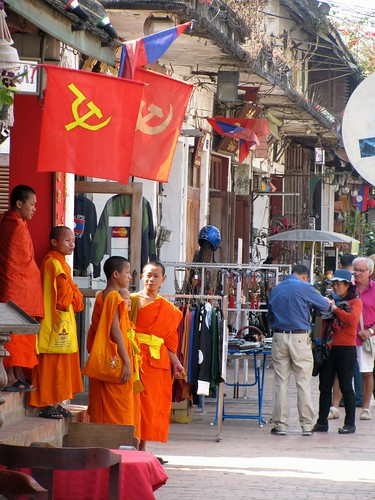 Budismo y comunismo