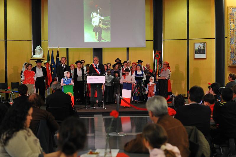Evry Daily Photo -  Evry Celebre les 40 ans de la revolution des Oeillets