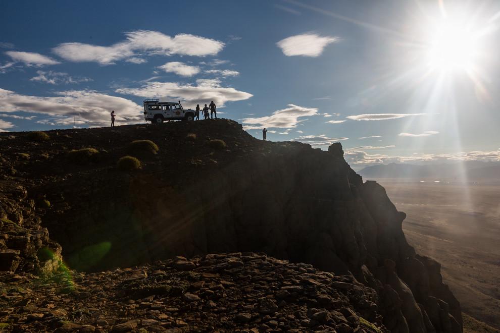 El Cerro Huyliche es otro de los atractivos que ofrece El Chaltén, se realiza en Land Rovers tanto en verano como invierno y la vista desde la cima permite admirar la ciudad y el Lago Argentino. (Tetsu Espósito).