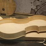 Hollow violin