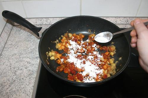 25 - Mit Mehl bestäuben / Dredge with flour